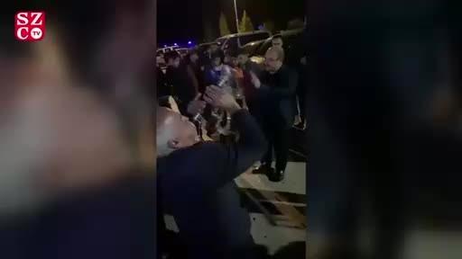 AKP'li başkan deprem günü düğüne katıldı, magandaların ateş etmesine aldırış etmedi