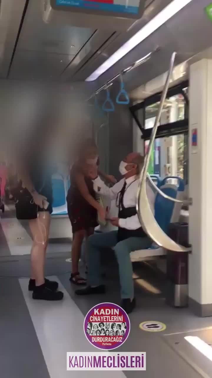 Tramvayda 15 yaşında bir kızın fotoğraflarını çeken kişi 'ben emekli hakimim' diyerek kendini savunmaya çalıştı