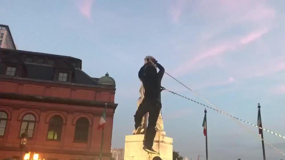 ABD'de eylemciler, Amerika kıtasını keşfeden Kristof Kolomb'un heykelini yıktı