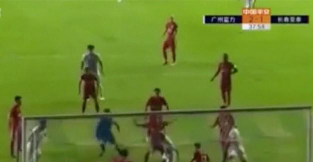Tosic Çin'de ilk golünü attı
